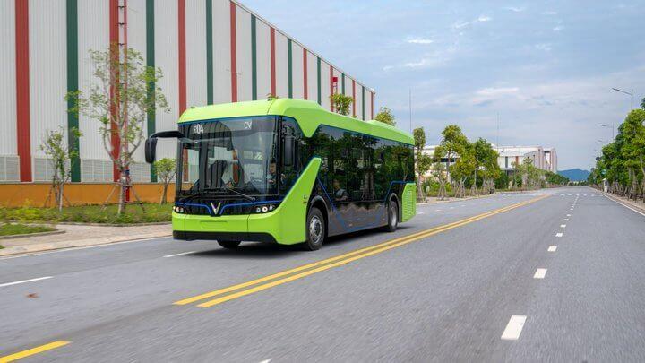 Xe buýt điện VinFast chuẩn bị chạy thử nghiệm